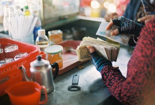 women and money in vietnam 1